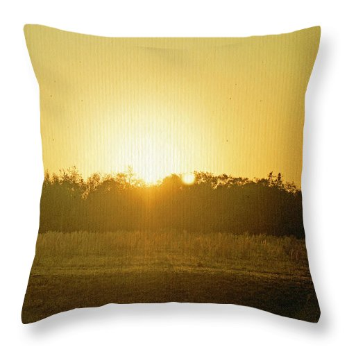 Polk City Florida Throw Pillow featuring the photograph Polk City Sunrise by Laurie Perry