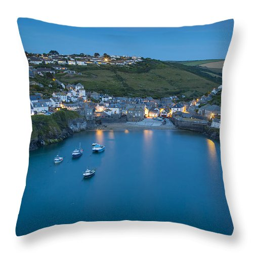 Bay Throw Pillow featuring the photograph Port Issac Twilight by Brian Jannsen