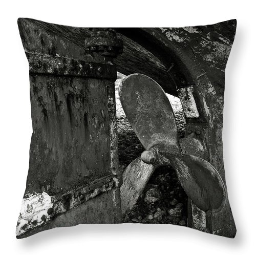 Propeller Throw Pillow featuring the photograph Propeller Of An Old Abandoned Ship by RicardMN Photography