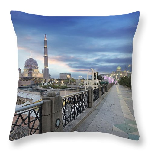 Putra Mosque Throw Pillow featuring the photograph Putra Mosque At Sunset by Jit Lim