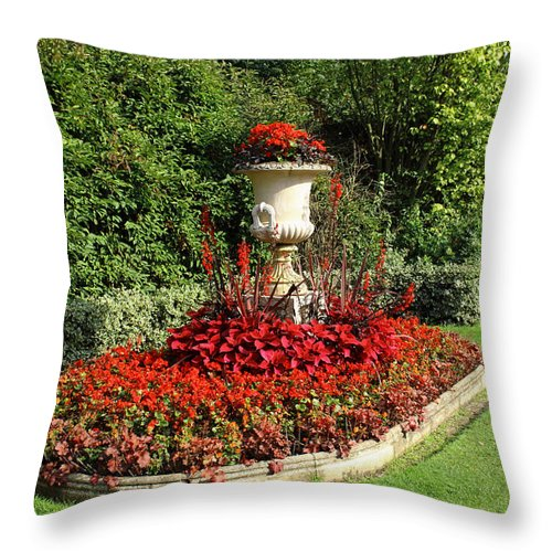 London Throw Pillow featuring the photograph Queen Mary's Gardens Regents Park by Nicky Jameson