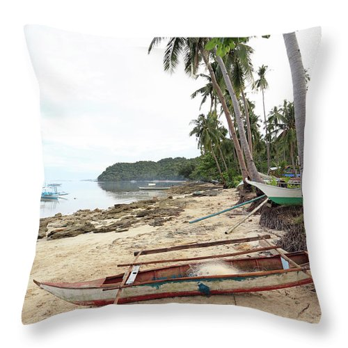 Water's Edge Throw Pillow featuring the photograph Ready To Fishing by Vuk8691