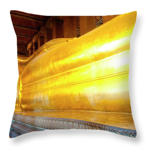 Statue Throw Pillow featuring the photograph Reclining Buddha, Wat Pho by Leontura