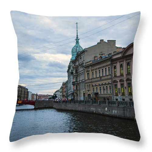 Moika River Throw Pillow featuring the photograph Red Bridge - St. Petersburg - Russia by Madeline Ellis