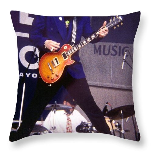 Rick Nielsen Throw Pillow featuring the photograph Rick Nielsen Cheap Trick by Sheryl Chapman Photography