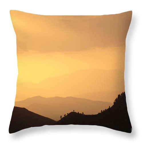 Riviersonderend Mountains Throw Pillow featuring the photograph Riviersonderend Mountains by Neil Overy