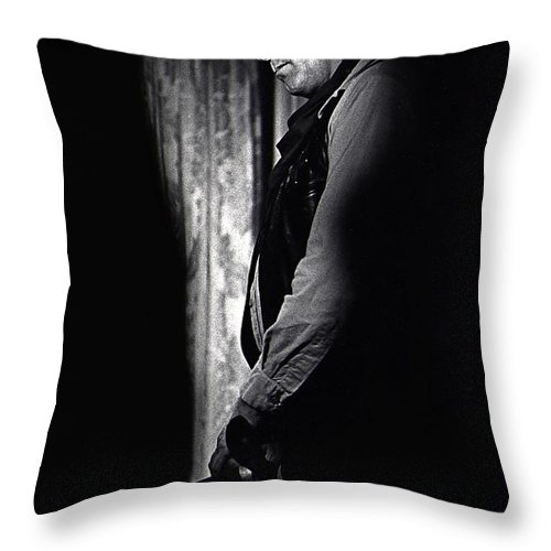 Robert Mitchum Young Billy Young Old Tucson Keyhole Black And White Otho Lovering Stagecoach Angie Dickinson Profile Throw Pillow featuring the photograph Robert Mitchum Young Billy Young Old Tucson 1968 by David Lee Guss