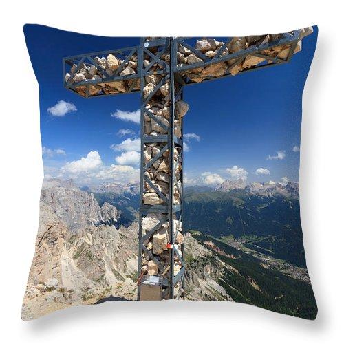 Adventure Throw Pillow featuring the photograph Roda Di Vael Cross by Antonio Scarpi