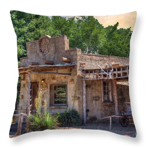 Route 66 - A Stroll Through The Past Throw Pillow featuring the photograph Route 66 - A Stroll Through The Past by Liane Wright