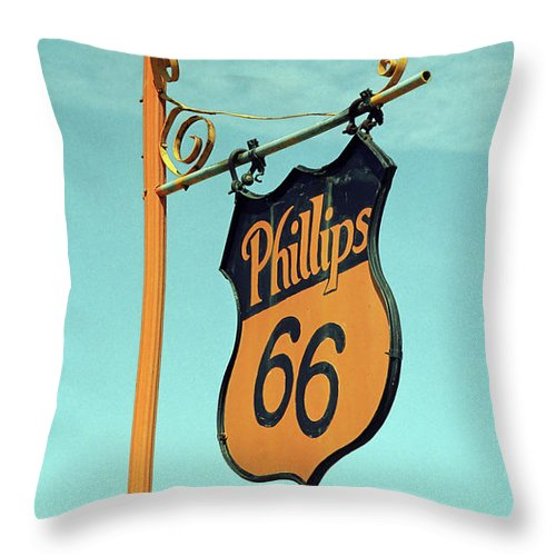 66 Throw Pillow featuring the photograph Route 66 - Mclean Texas by Frank Romeo