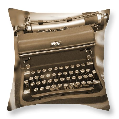 Royal Typewriter Throw Pillow featuring the photograph Royal Typewriter by Mike McGlothlen