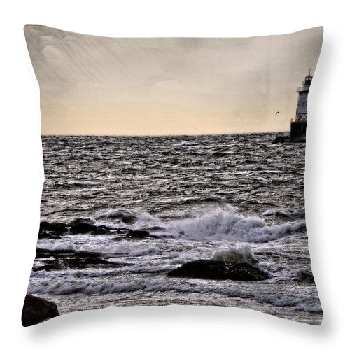 Seascape Throw Pillow featuring the photograph Sakonnet Light by Mike Martin