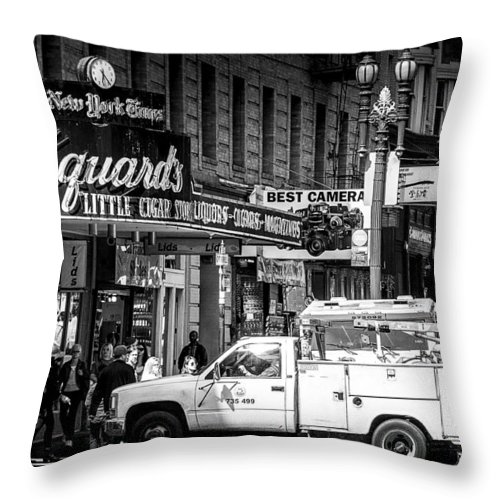 San Francisco Throw Pillow featuring the photograph San Francisco Union Square by Jay Hooker