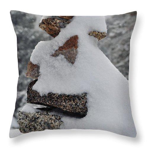 San Jacinto Mountains Throw Pillow featuring the photograph San Jacinto Balanced Rocks by Kyle Hanson