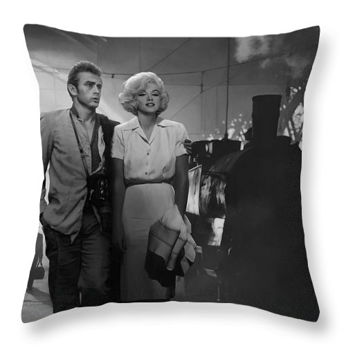 Marilyn Throw Pillow featuring the painting Saying Farewell by Chris Consani