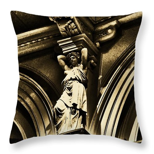 Please Touch Museum Throw Pillow featuring the photograph Sculpture At Please Touch Museum-2 by Srinivasan Venkatarajan