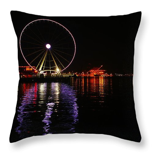 Ferris Wheel Throw Pillow featuring the photograph Seattle Ferris Wheel by Jeff Swan