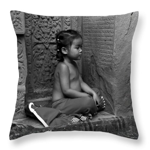 Serene Throw Pillow featuring the photograph A Moment Of Serenity by David Freuthal