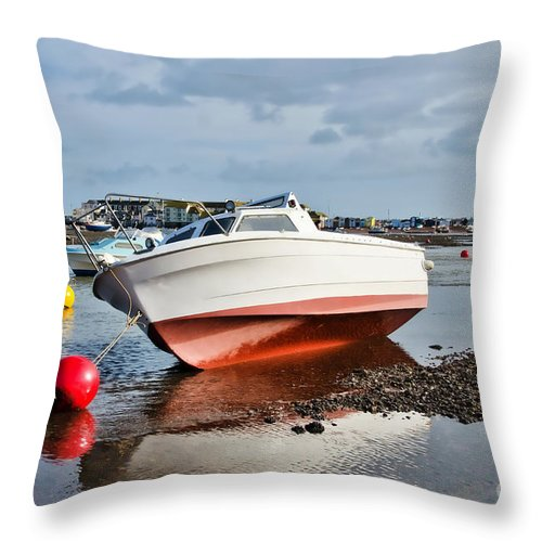 Shaldon Throw Pillow featuring the photograph Shaldon-teignmouth Harbour by Susie Peek