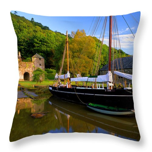 Cornwall Throw Pillow featuring the photograph Shamrock Barge by Darren Galpin