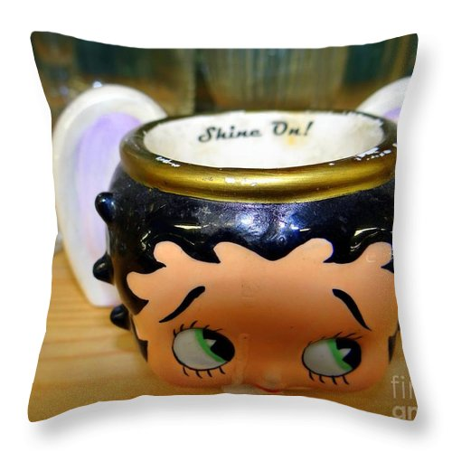Cup Throw Pillow featuring the photograph Shine On by Ed Weidman