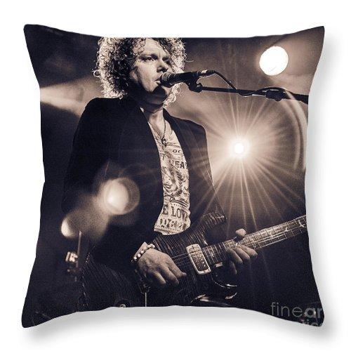 Simon Mcbride Throw Pillow featuring the photograph Simon Mcbride In Concert 2 by Julian Eales