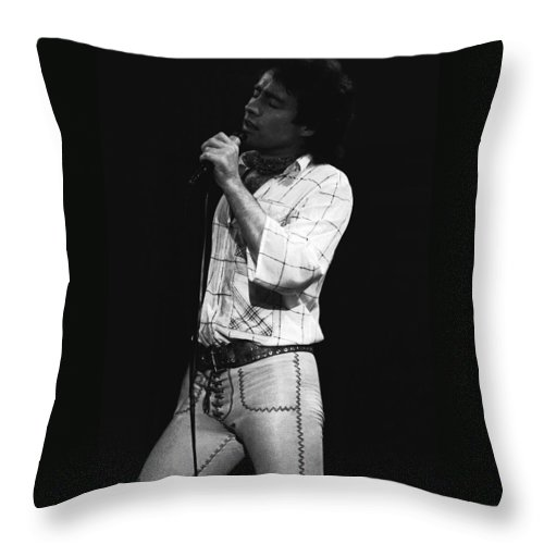 Paul Rodgers Throw Pillow featuring the photograph Singing With His Heart And Soul by Ben Upham