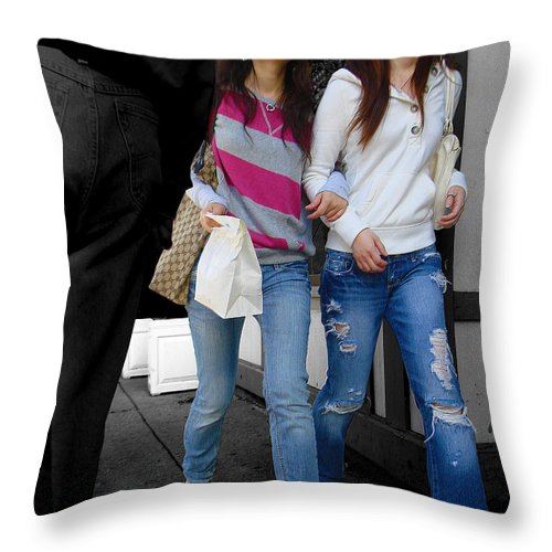 Throw Pillow featuring the photograph Smith Frosh by Roger Leege