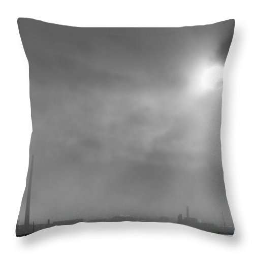 Dublin Bay Throw Pillow featuring the photograph Snow Through The Clouds by Robert Phelan