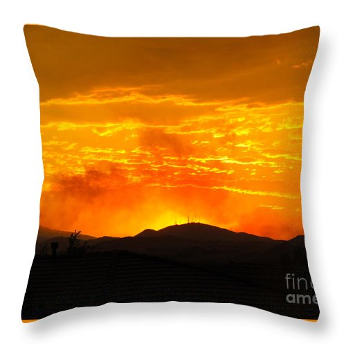 Hills Throw Pillow featuring the photograph Spectacular Nevada Sunset by Phyllis Kaltenbach
