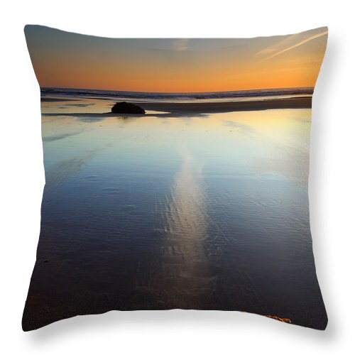Starfish Throw Pillow featuring the photograph Starfish Sunset by Mike Dawson