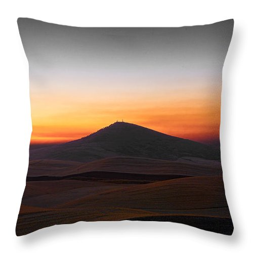 Landscape Throw Pillow featuring the photograph Steptoe Moon by Don Hall