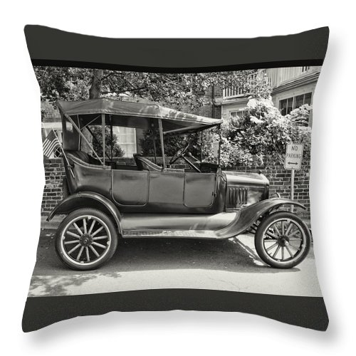 Black N White Throw Pillow featuring the photograph Still Going by Brenda Hackett