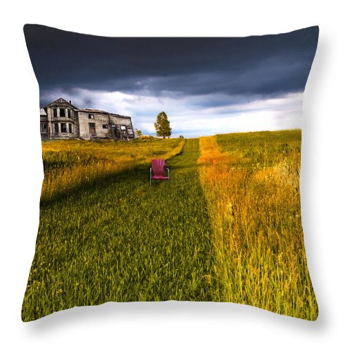 Ominous Throw Pillow featuring the photograph Storm Warning by Glenn Ferguson