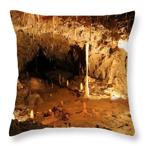 Stump Cross Throw Pillow featuring the photograph Stump Cross Caverns by John Topman