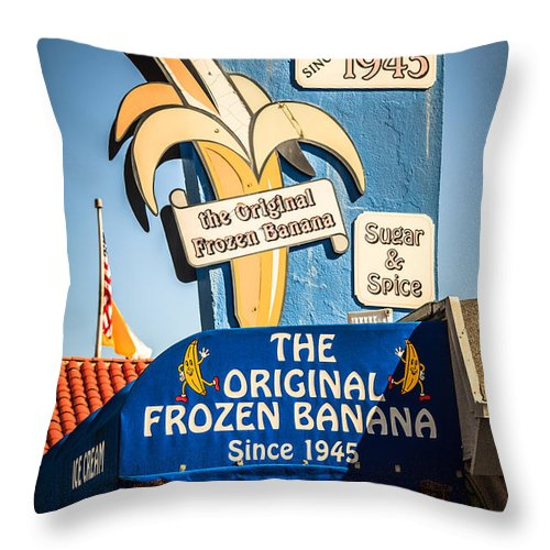1945 Throw Pillow featuring the photograph Sugar And Spice Frozen Banana Sign On Balboa Island by Paul Velgos