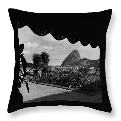 Exterior Throw Pillow featuring the photograph Sugarloaf Mountain Seen From The Patio At Carlos by Luis Lemus