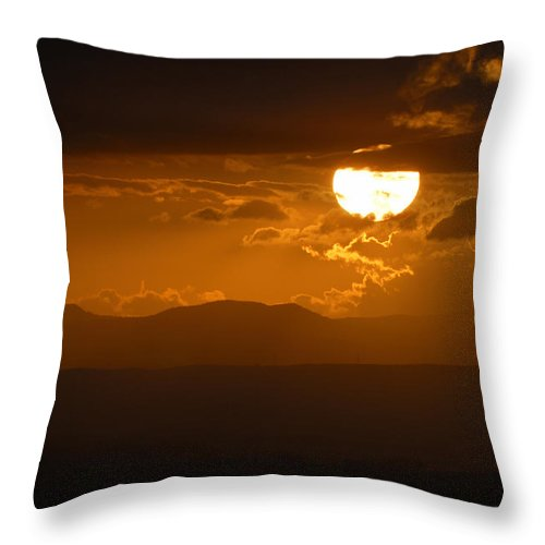 Horizontal Throw Pillow featuring the photograph Sun After The Storm by Guido Montanes Castillo