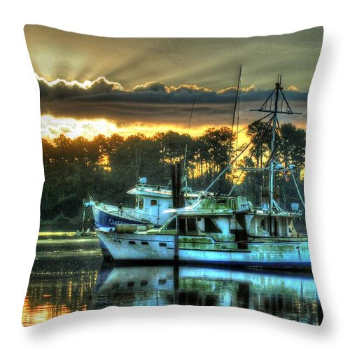 Alabama Throw Pillow featuring the digital art Sunrise At Billy's by Michael Thomas