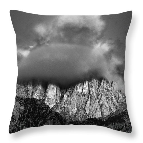 North America Throw Pillow featuring the photograph Sunrise On Mount Whitney Eastern Sierras California by Dave Welling
