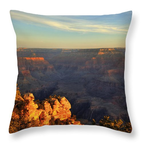 Grand Canyon Throw Pillow featuring the photograph Sunrise Over Yaki Point At The Grand Canyon by Alan Vance Ley