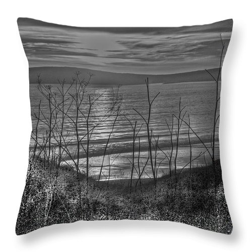 Bay Throw Pillow featuring the photograph Sunset At The Bay 4 by SC Heffner