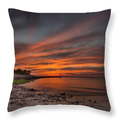 Sunset Photographs Throw Pillow featuring the photograph Sunset Over Buzzards Bay by Jonathan Steele