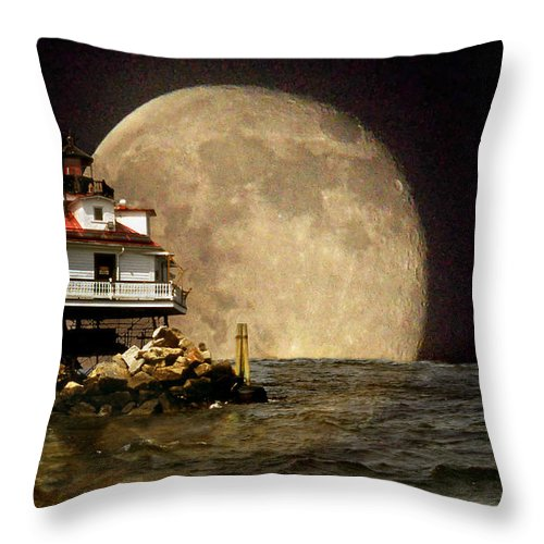 Lighthouses Throw Pillow featuring the photograph Super Moon Lighthouse by Skip Willits