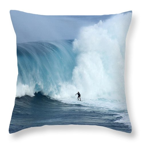 Surf Throw Pillow featuring the photograph Surfing Jaws 4 by Bob Christopher