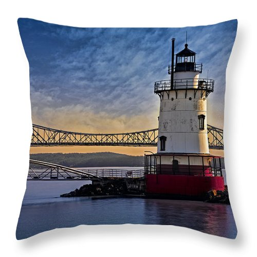 Empire State Throw Pillow featuring the photograph Tarrytown Light by Susan Candelario