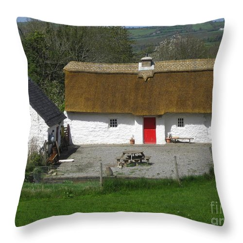 Ireland Thatched Cottage Throw Pillow featuring the photograph Thatched Cottage by Suzanne Oesterling