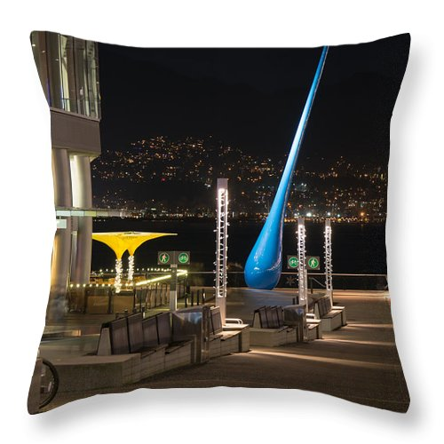 Sculpture Throw Pillow featuring the photograph The Drop by Sabine Edrissi