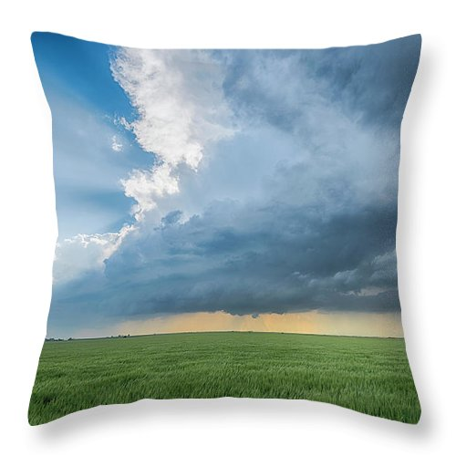 Scenics Throw Pillow featuring the photograph The Edge by Www.dennisoswald.de