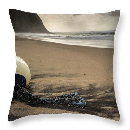 Float Throw Pillow featuring the photograph The Float by Nuno Valadas